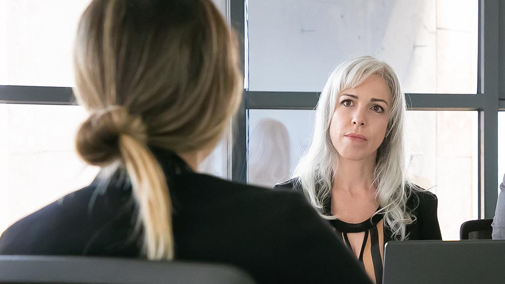 Preciso dizer em uma entrevista de emprego que tenho câncer?
