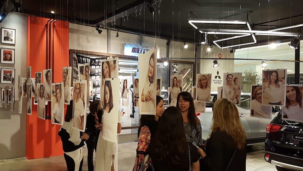 Loja Spexxato com cartazes da campanha Laço Rosa, feita em parceria com o IVOC.