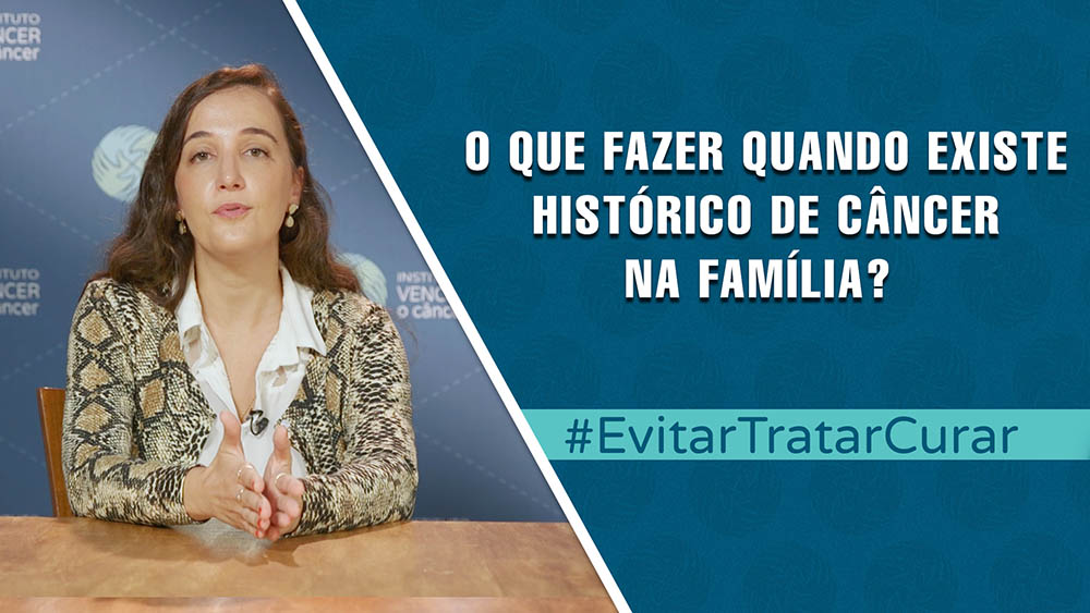 """Thumbnail com dra. Graziela Dal Molin e texto """"o que fazer quando existe histórico de câncer na família?""""."""