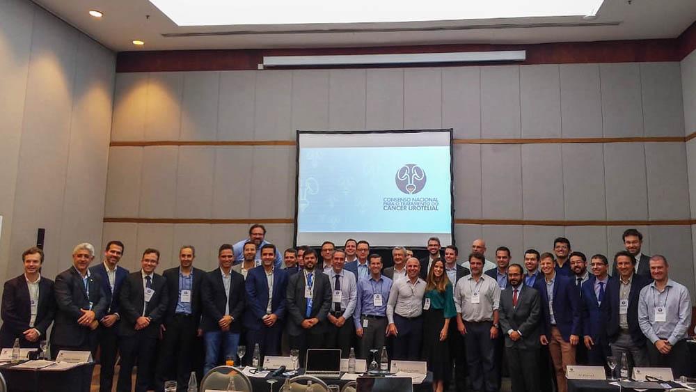 Especialistas que participaram do primeiro consenso de câncer urotelial em 2019.